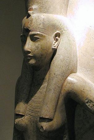 10_luxor_museum_-_mut_-_dated_19_dynasty_c_1279_to_1213_bc